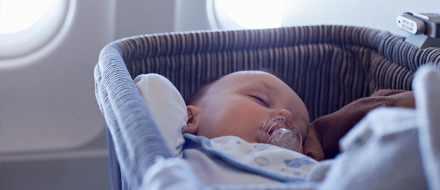 Flying With Children? Check Out These 10 Tips First!